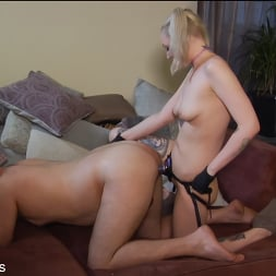 Arielle Aquinas in 'Kink Partners' Party Girl (Part 2 of 2) (Thumbnail 8)