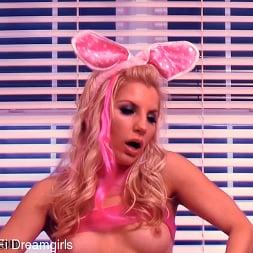Ashley Fires in 'Kink Partners' SciFi Dreamgirls Episode: Bunny Breakdown (Thumbnail 10)
