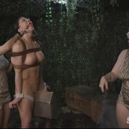 Bella Rossi in 'Kink Partners' Hungry Amazons Part 2. Horny Amazons Tenderize Ass Meat (Thumbnail 7)
