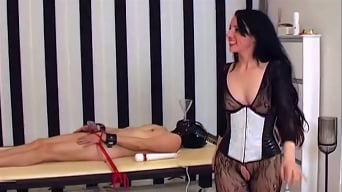 Bizarrlady Lara in 'Lady Lara - Missbraucht Part 2 - 3'