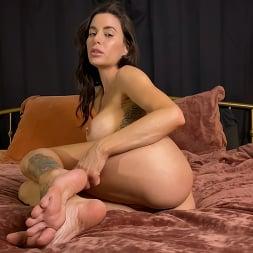 Gia DiMarco in 'Kink Partners' KINKY JOI: Gia's Perfect Feet (Thumbnail 11)