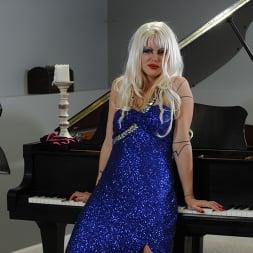 Goddess Starla に 'Kink Partners' bdsmピアノリサイタル (サムネイル 11)