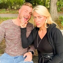Harleen Van Hynten in 'Kink Partners' Naughty Fuck Date for Harleen Van Hynten in a Public Park (Thumbnail 3)