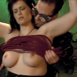 Jada Sinn in 'Kink Partners' Jada Enters The Matrix (Thumbnail 2)