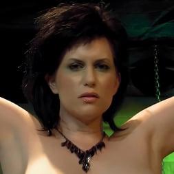 Jada Sinn in 'Kink Partners' Jada Enters The Matrix (Thumbnail 5)