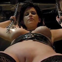 Jada Sinn in 'Kink Partners' Jada Enters The Matrix (Thumbnail 20)