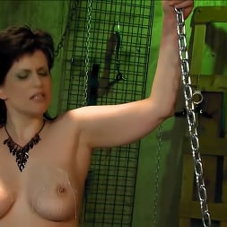 Jada Sinn in 'Kink Partners' Jada Enters The Matrix (Thumbnail 22)