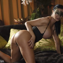 Jasmine Jae in 'Kink Partners' Masked Cum-Swapping Threesome (Thumbnail 20)