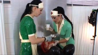 Lady Bijou in 'Gummipuppenklinik (2 of 3)'