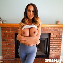 Mckenzie Lee in 'Kink Partners' Giant Strap On and a New Rug (Thumbnail 8)