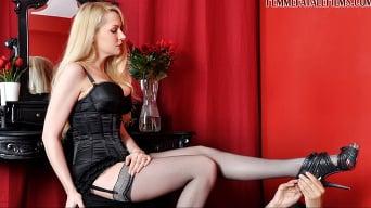 Mistress Eleise de Lacy に 'ブドワールでバスト'
