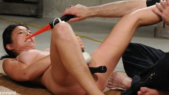 Nyssa Nevers in 'Japanese BDSM Punishment - Co-operation'
