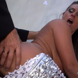 Sexy Susi in 'Kink Partners' Gets Her Asshole Publicly Fucked (Thumbnail 21)