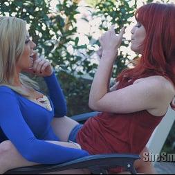 Vixon in 'Kink Partners' She Smokes 4 (Thumbnail 9)